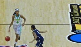 Skylar Diggins of Notre Dame brings the ball up court against UConn in the FInal Four Championship game