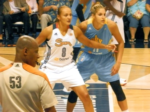 Elena Delle Donne guards Connecticut's Miste Bass in a recent game.