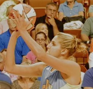 Delle Donne displays the shooting touch that led to 32 points in a recent OT win against the Minnesota Lynx.